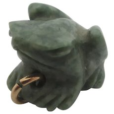 Carved Jade Frog Toad Pendant Charm Vintage Art Deco c1920.