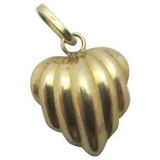 Heart 9k gold pendant charm Vintage c1970.