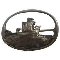 Sterling silver Viking long boat brooch pin vintage Art Deco c1920.
