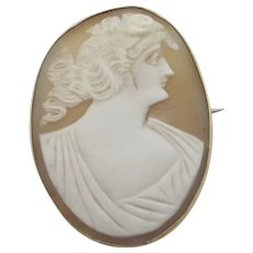 Shell Cameo in 9k Gold Brooch Pin Antique Victorian c1860.