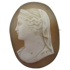 Shell Cameo 9k Gold Brooch Pin Antique Victorian c1860.