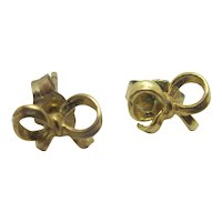 Bow 9k Gold Stud Earrings Vintage c1970.