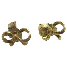 Bow 9k Gold Stud Earrings Vintage c1970.