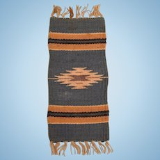 """3 3/4"""" x 9 1/2"""" Vintage Dollhouse Cotton Navajo Southwestern Style Rug Hand Woven 1"""" Scale"""