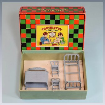 "4 Pc. Tootsie Toy Boxed Bedroom Furniture Set 1920s 1/2"" Scale"
