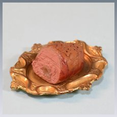 """Miniature Dollhouse Ham on a Gold Platter 1940s – 1950s 1"""" Scale"""