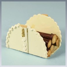 "Dollhouse Miniature Dolly Dear Log Basket 1940s - 1950s 1"" Scale"