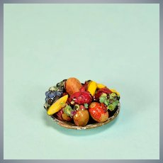 "Miniature Dollhouse Metal Bowl with Fruit by Dolly Dear 1940s 1"" Scale"