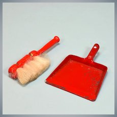 "Vintage Dollhouse Dust Pan and Broom Set Large 1"" Scale"