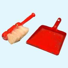 """Vintage Dollhouse Dust Pan and Broom Set Large 1"""" Scale"""