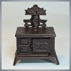 "Vintage Dollhouse Dot Cast Iron Cookstove Small 1"" Scale"