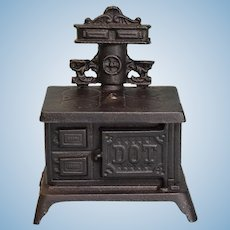 """Vintage Dollhouse Dot Cast Iron Cookstove Small 1"""" Scale"""
