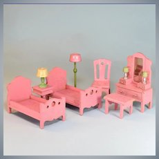 "7 Pc. Strombecker Colorful Wooden Dollhouse Bedroom Set Pink Swirl 1932 – 1933 1"" Scale"