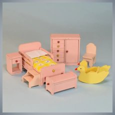 "Strombecker Dollhouse 7 Piece Nursery Set - Pink with Rare Shoofly 1938 1"" Scale"