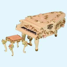 """Spielwaren Dollhouse Wooden Grand Piano Music Box with Bench by Szalasi 1950s – 1980s Large 1"""" Scale"""