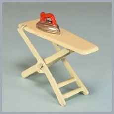 """Kilgore Cast Iron Dollhouse Ironing Board and Iron 1920s – 1930s 3/4"""" Scale"""