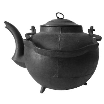Late 18th Century Cast Iron Pot Bellied Tea Kettle Three Feet, Gooseneck Spout Wrought Iron Bail Handle