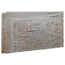Antique Chinese Shawl or Manton in Beige Silk with Multi-color Embroidery Flower Motifs – China 19th Century