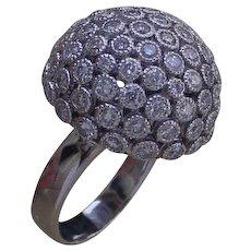 Gorgeous 18K White Gold Ring Set w/ 90 Full Cut Diamonds.