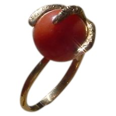 Vintage 18K Gold Ladies Ring, Eagle Claw Form, Holding 12 Carat Coral