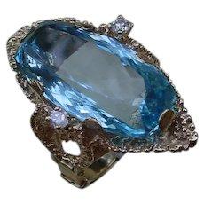 Gorgeous 22 Carat Rectangular Cushion Aquamarine, Medium Blue In 14K Gold Ring