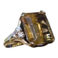 Ladies 14K Gold Ring w/ 25 Carat Citrine & 6 Diamonds
