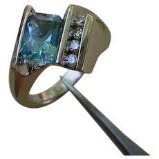 Beautiful  14K White Gold Ring, 1.5 Carat Aquamarine, 9 Diamonds