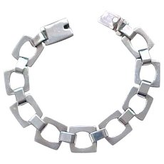 Chic Sterling Silver Bracelet - Square Links