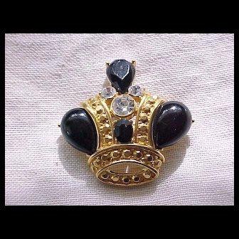 07 - Impressive Trifari Crown Pin - Black Cabochons