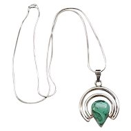 Distinctive Sterling Silver Pendant Necklace - Malachite