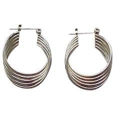 08 - Pretty Sterling Silver Pierced Earrings