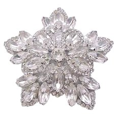 02 - Glamorous Weisner Rhinestone Pin and Earrings