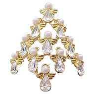 Nina Ricci Angel Christmas Tree Pin