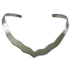 Flattering Sterling Silver Rigid Collar Necklace