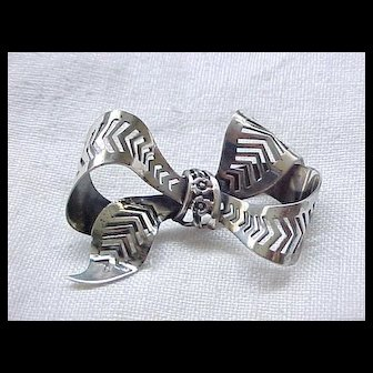Lovely Danecraft Sterling Silver Pin - Bow with Flowers