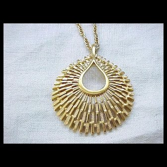 Super Nice Trifari Pendant Necklace