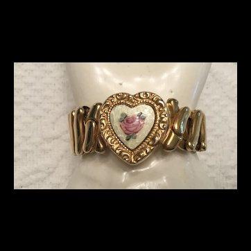 Sweetheart Expansion Bracelet - Guilloche Heart Center