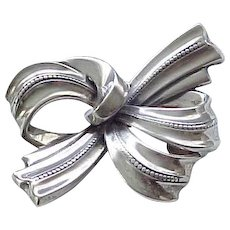 Lovely Sterling Silver Bow Pin - Spectacular Design