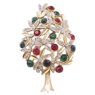 Elegant Sphinx of England Christmas Tree Pin