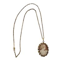 08 - Lovely Shell Cameo Necklace Simmons - 10K Gold Chain