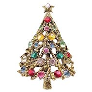 Beautiful Hollycraft Christmas Tree Pin