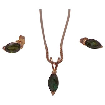 Unique Emerald Pendant and Earring Set.