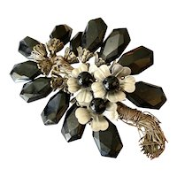 Fascinating Moveable Petals Floral /Flower 1930s / 1940s Brooch / Pin!