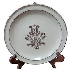 "Pfaltzgraff Village Stoneware 7"" Bread / Salad Plate 6-24 Beige Pottery USA"