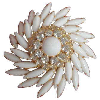 Vintage Set SIGNED JUDY LEE White and Rhinestone Pin Brooch