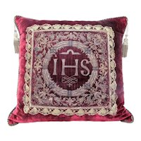 Italian 18th Century Antique Pillow with Embroidered Laurel Leaves and Berries