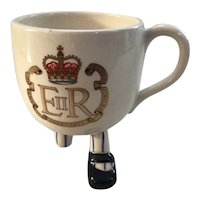Carlton Ware Queen Elizabeth Silver Jubilee Walking Teacup