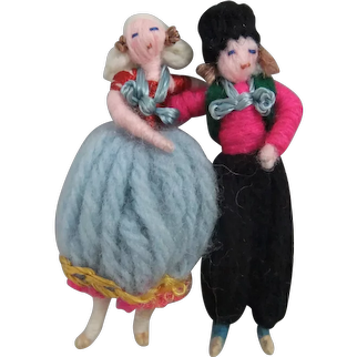 Pair Miniature Stefania Lazarska 'Dutch-Style' Yarn Dolls, 1925