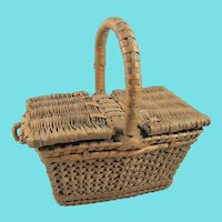 Pretty Antique Doll Wicker Picnic Basket, 5 ¾ Inches