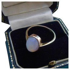 Lovely Art Deco Opal Ring, 9ct Gold, Size 9